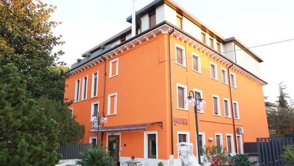 Hotel Siros