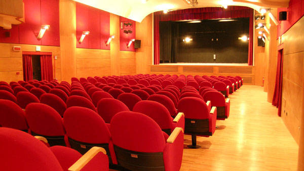 Teatro cinema Capitan Bovo