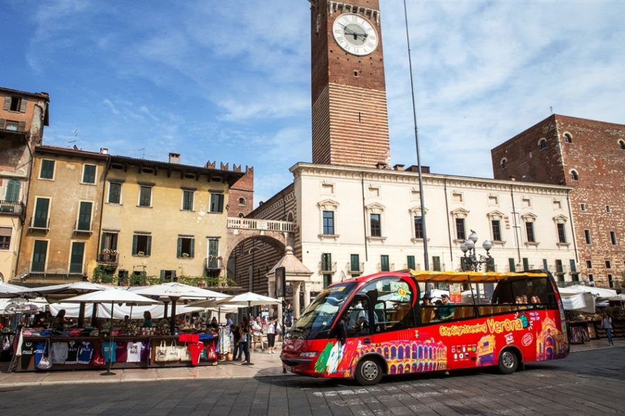 City Sightseeing Verona Piazza Erbe