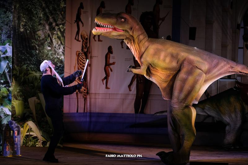 """Ritorna a Verona lo spettacolo più esilarante e comico """"Dinosauri VIVI"""" al Teatro Aurora"""