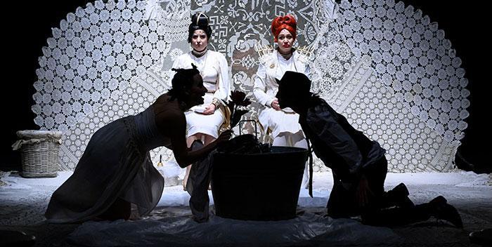 Le allegre comari di Windsor di William Shakespeare al Teatro Camploy