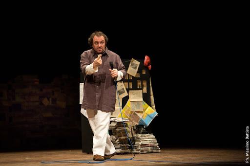 """Il monologo """"Velodimaya"""" scritto e interpretato da Natalino Balasso al Teatro Romano"""