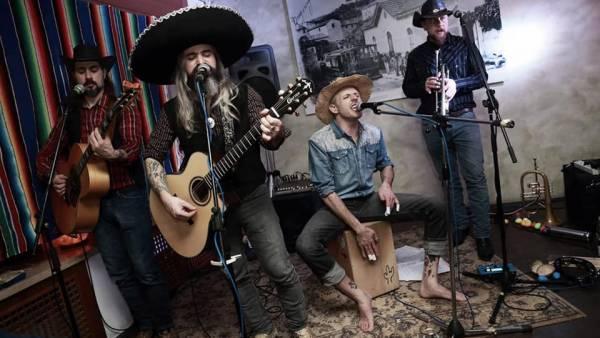 Cactus Quillers con il loro Spaghetti Western  Tex Mex Party in live al Mura Festival