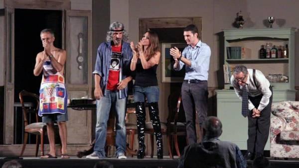 """Estravagario Teatro mette in scena """"Uomini sull'orlo di una crisi di nervi"""" alla Corte Molon"""