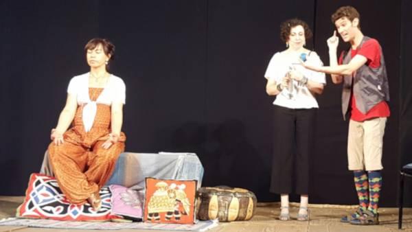 """Commedia """"La terra in prestito"""" al Teatro Camploy"""