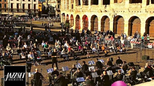 """Concerto Jazz in Piazza Bra per l'""""Ottobre Rosa"""""""